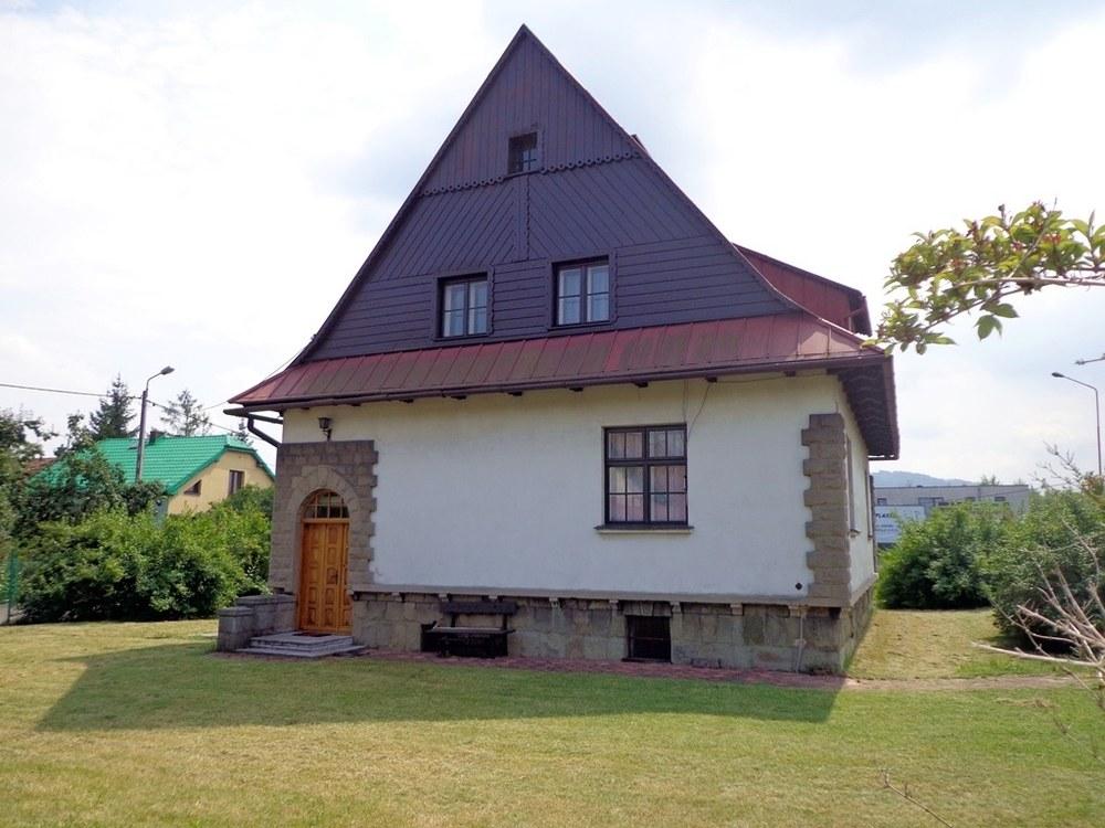 Dom na sprzedaż Żywiec oferowany przez biuro nieruchomości w Żywcu